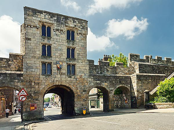 York City Walls parking