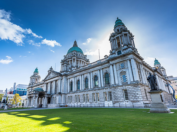 Belfast-Hall-City-Attraction